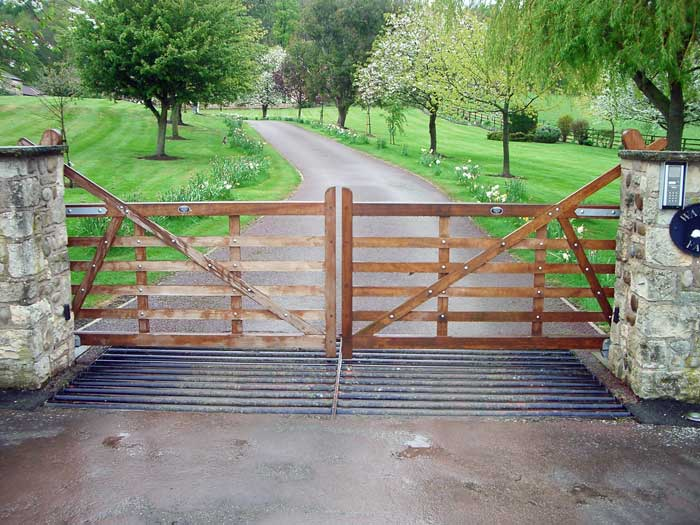 Res Wooden Gates: Automated Residential Wooden Gates