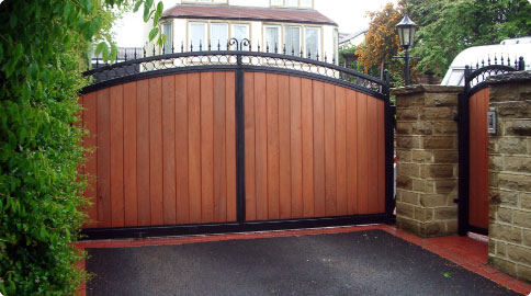 Residential Automated Gates Wooden Driveway Gates Swing
